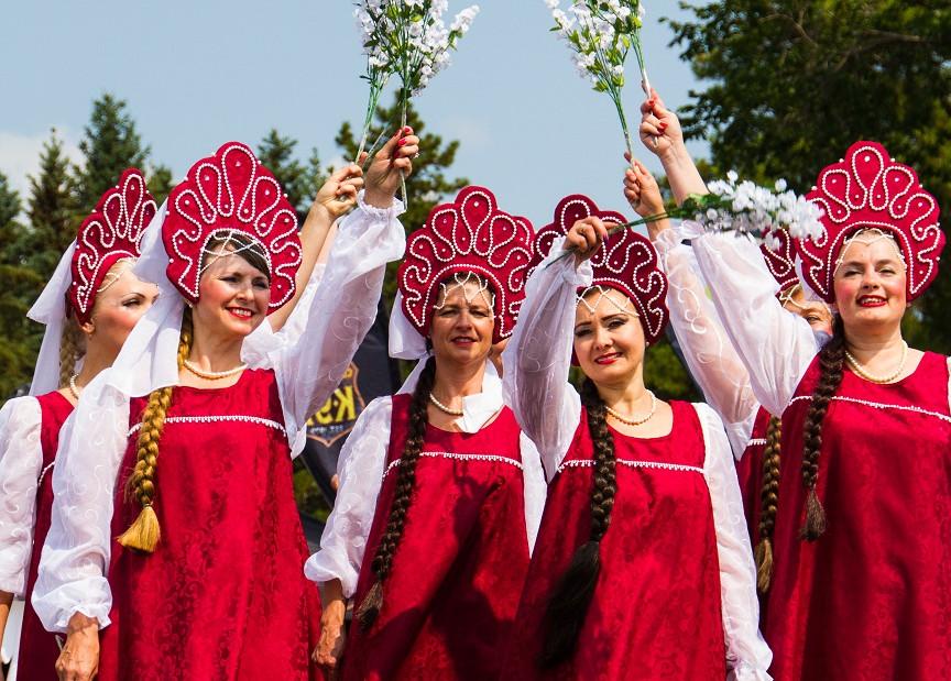 Russian Dancers3.jpg