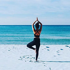 INSIDERS_Yoga-Meditation-By-The-Sea-2-80