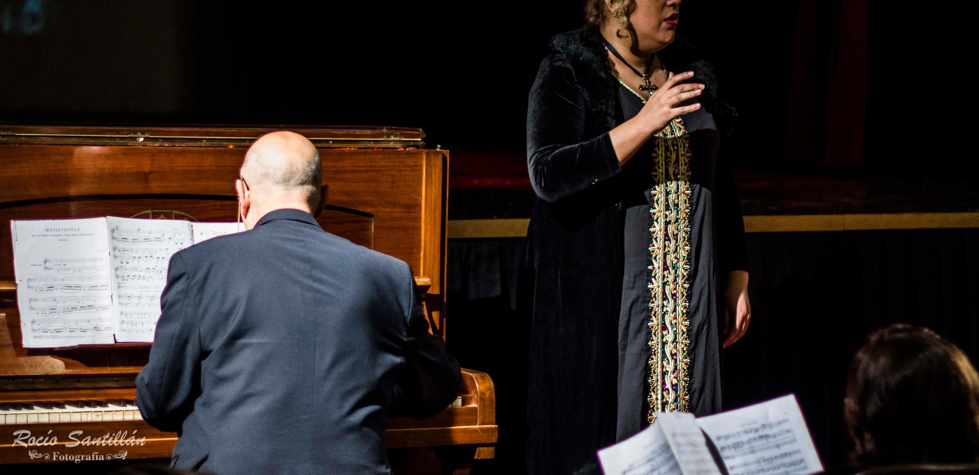 María Castillo- Soprano