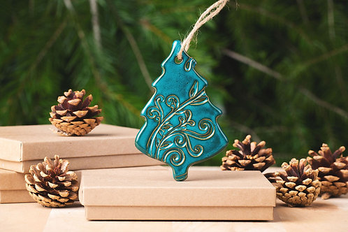 Tree Ornament with Gift Box and Gift Tag