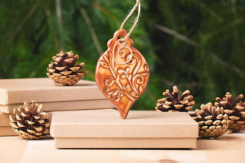 Oval Ornament with Gift Box and Gift Tag
