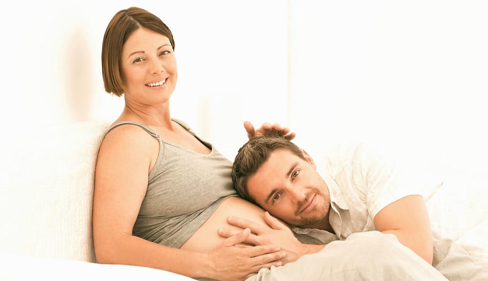 haptonomie, grossesse, femme enceinte, futur papa, box grossesse, box future maman, box naissance, box maman, box femme enceinte, idée cadeau grossesse, idée cadeau bébé, idée cadeau naissance, ventre rond, j'attends un enfant, première grossesse, enceinte