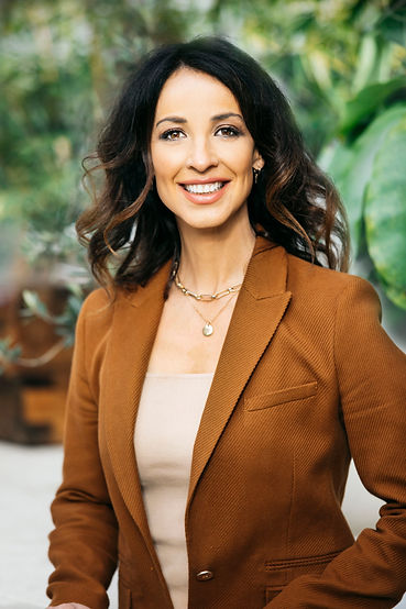 Antonia profile2.jpg