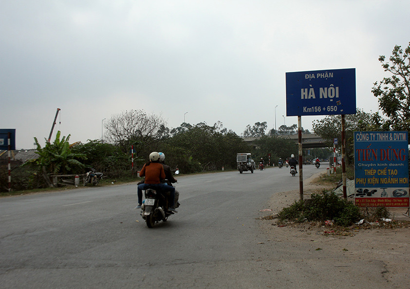 Entering Hanoi, Vietnam