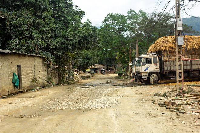 Gravel road vietnam