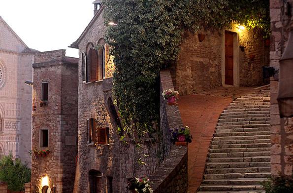 Perugia, a party by a lake and a ramble on a vespa!