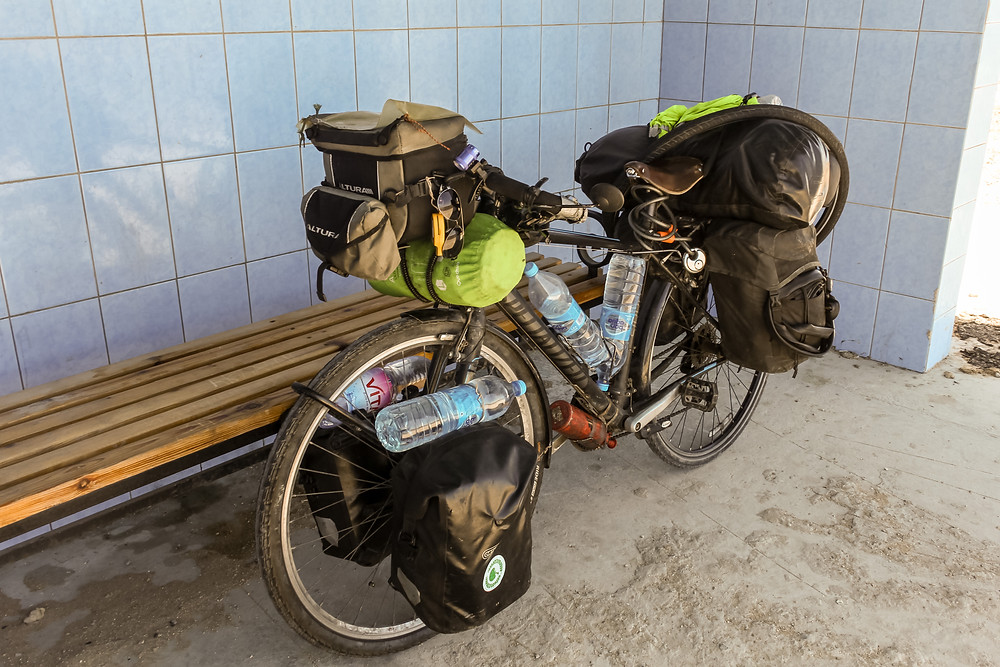 How to carry water when cycle touring