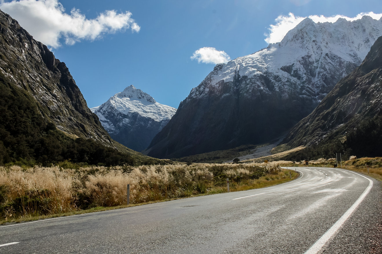 Milford road new zealand