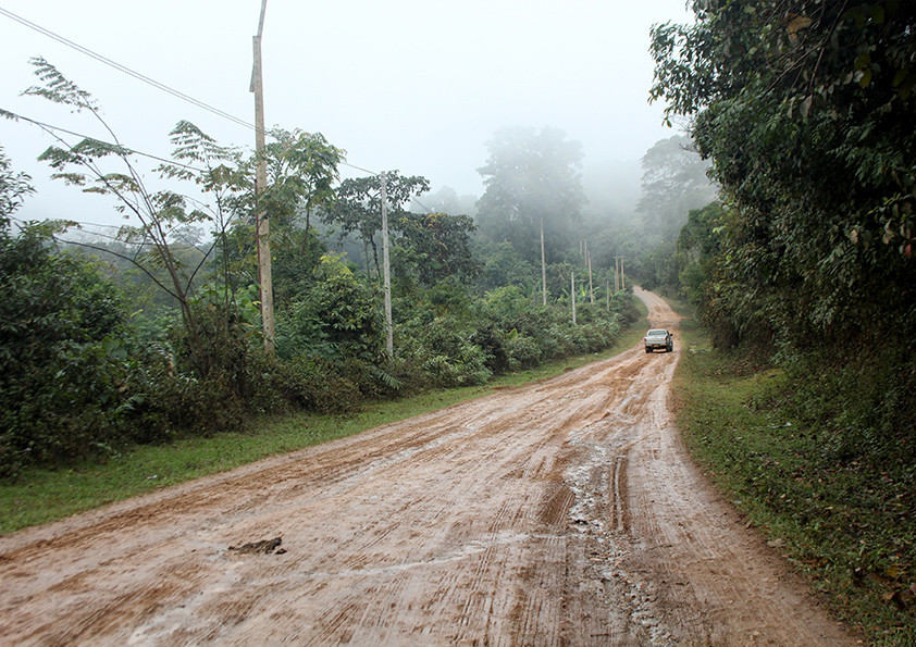 Tough days and difficult roads, Laos