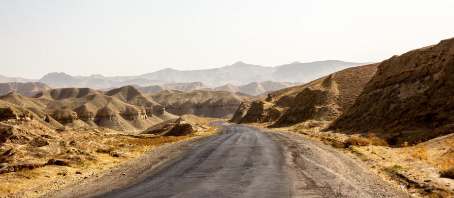 Bukhara to Tajikistan. Otkuda, otkuda, otkuda!? Get me out of here!