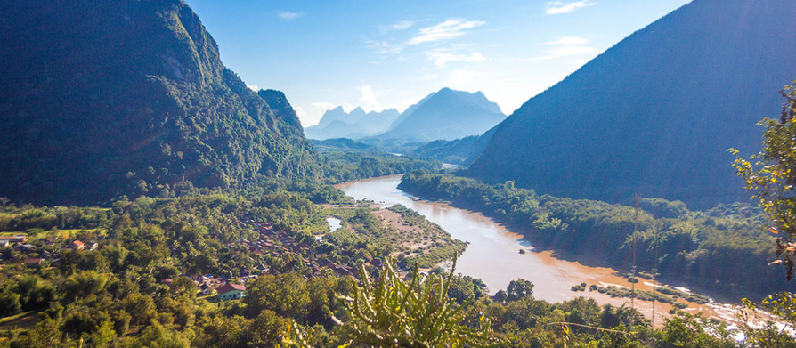 Civilisation at last! Lazy days in Nong khiaw, Laos and meeting a kindred spirit