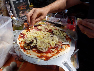 gallery-preparing-pizza.jpg