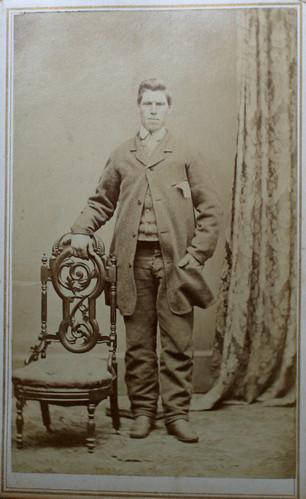 "arte de visite image of Thomas ""James"" Thompson"