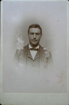 cabinet card of unidentied male subject