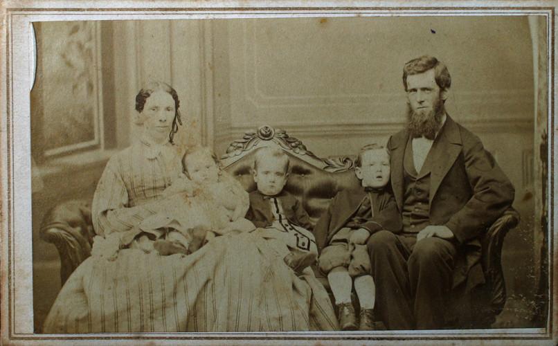 Elizabeth Thompson and John Pagan Family Photo