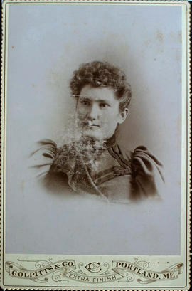 cabinet card of female subject