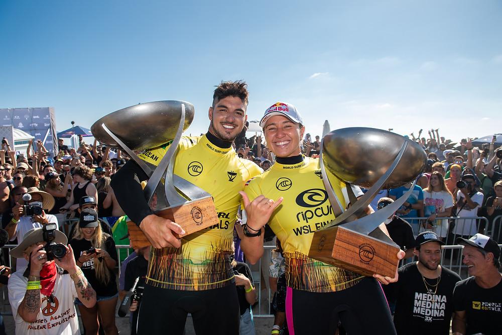 Carissa Moore e Gabriel Medina campeões mundiais 2021