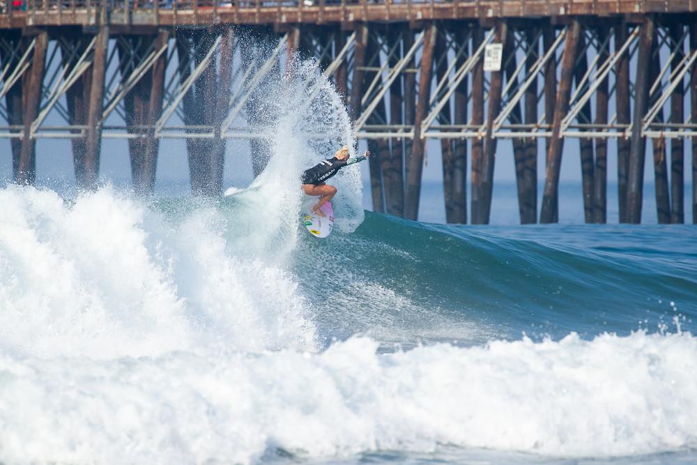 Tati Weston-Webb no Super Girl Surf Pro