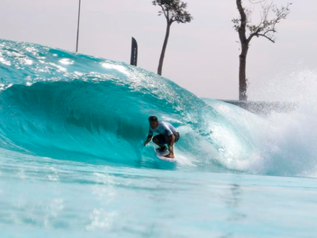 Rip Curl Grom Search premia surfistas da nova geração em piscina de ondas em São Paulo