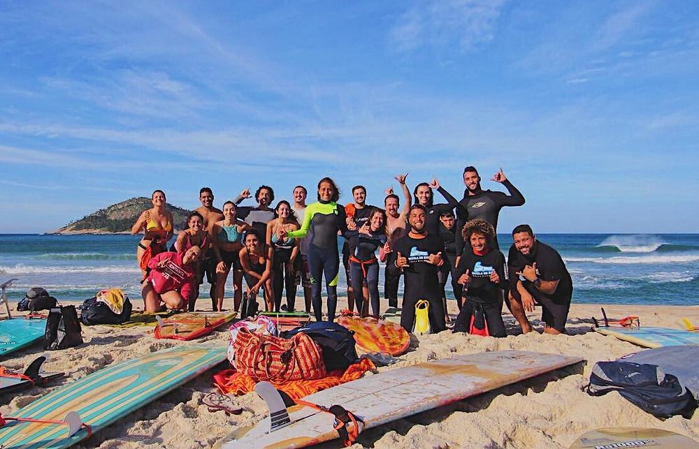 Esolca de surf Rayza Silveira