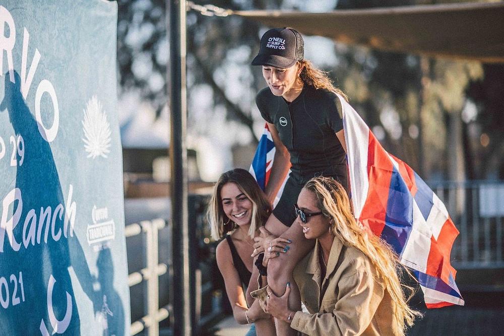 Honolua Blomfield campeã da etapa do Longboard Tour no Surf Ranch