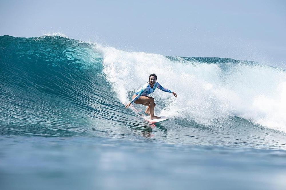 Surfista entre os famosos - Danni Suzuki