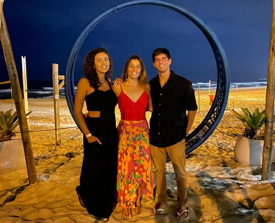 Fernanda Bahia (Portal Manasurf), Michaela Fregonese e João Pedro Braga (Canal Surf Storm)