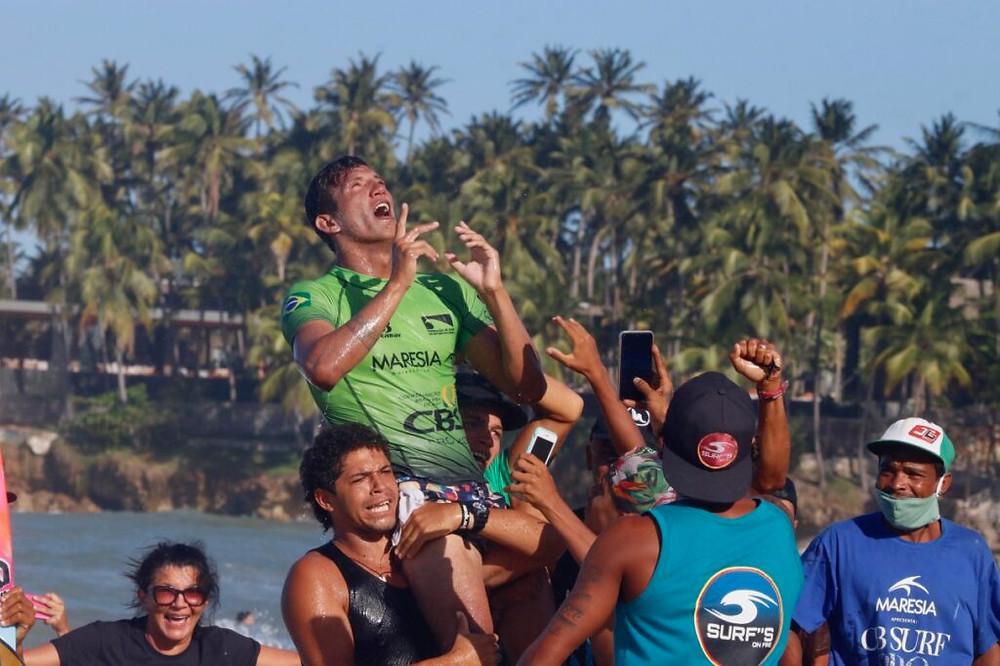 Nayson Costa, campeão da segunda etapa do CBSurf Pro Tour