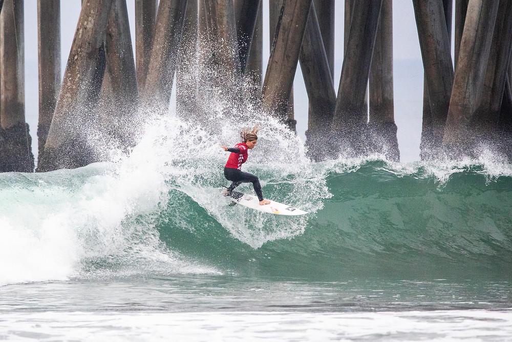 Caroline Marks em Huntington Beach