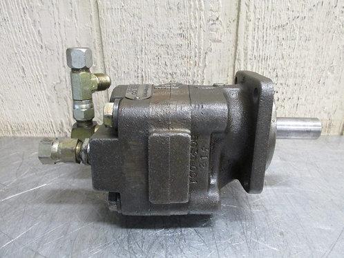 Commercial M30C842MEAB07-43 Hydraulic Motor 2400 RPM 1.48 cu.in 12 HP @ 1800 RPM
