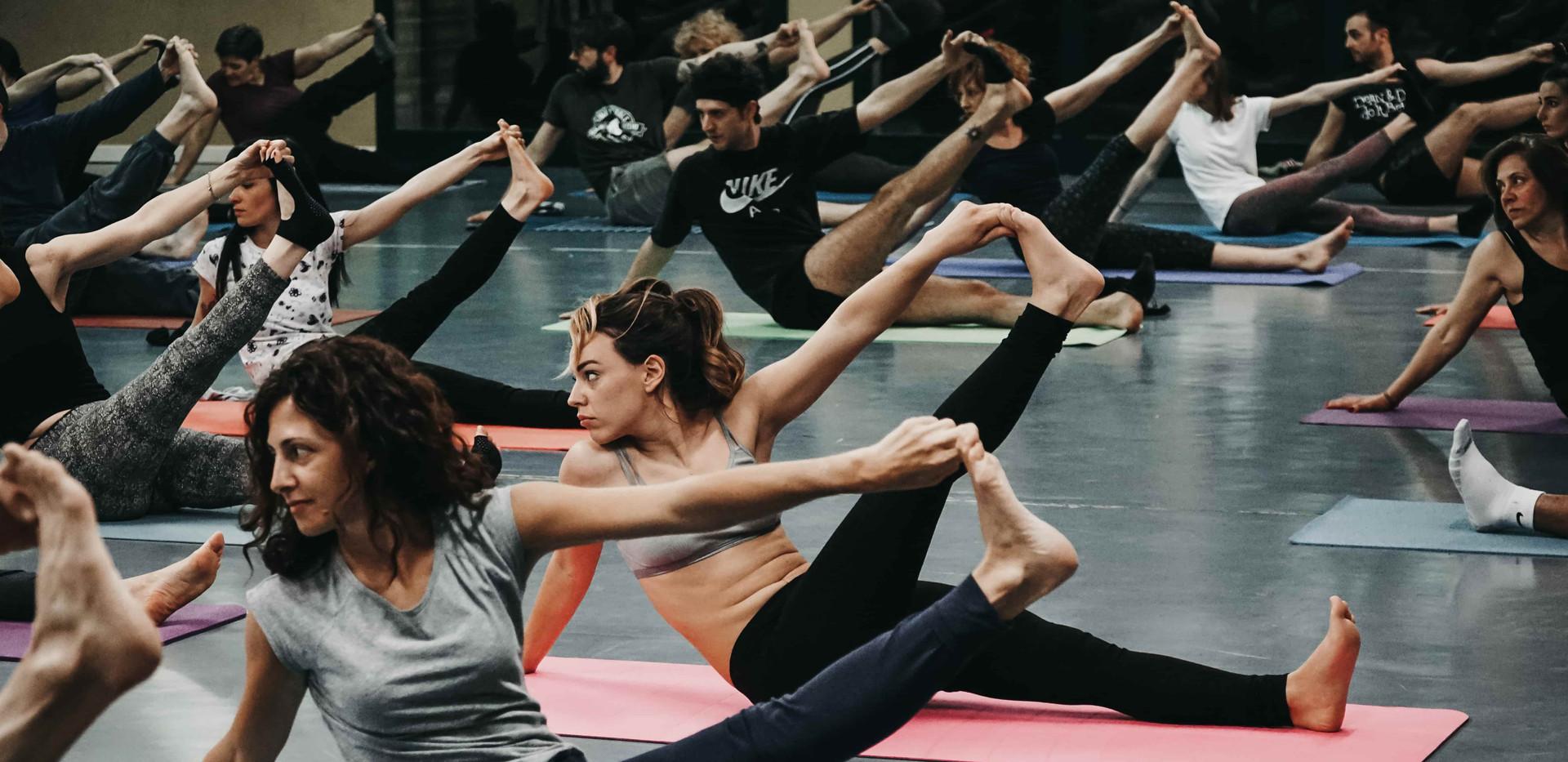 Immagine yoga-bs.JPG