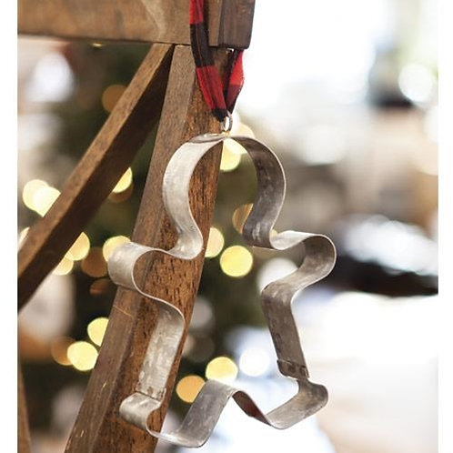 *Gingerbread Cookie Cutter Buffalo Check Ornament
