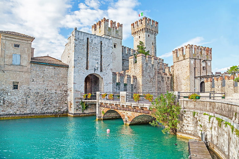 city-the-city-castle-italy-wallpaper-pre