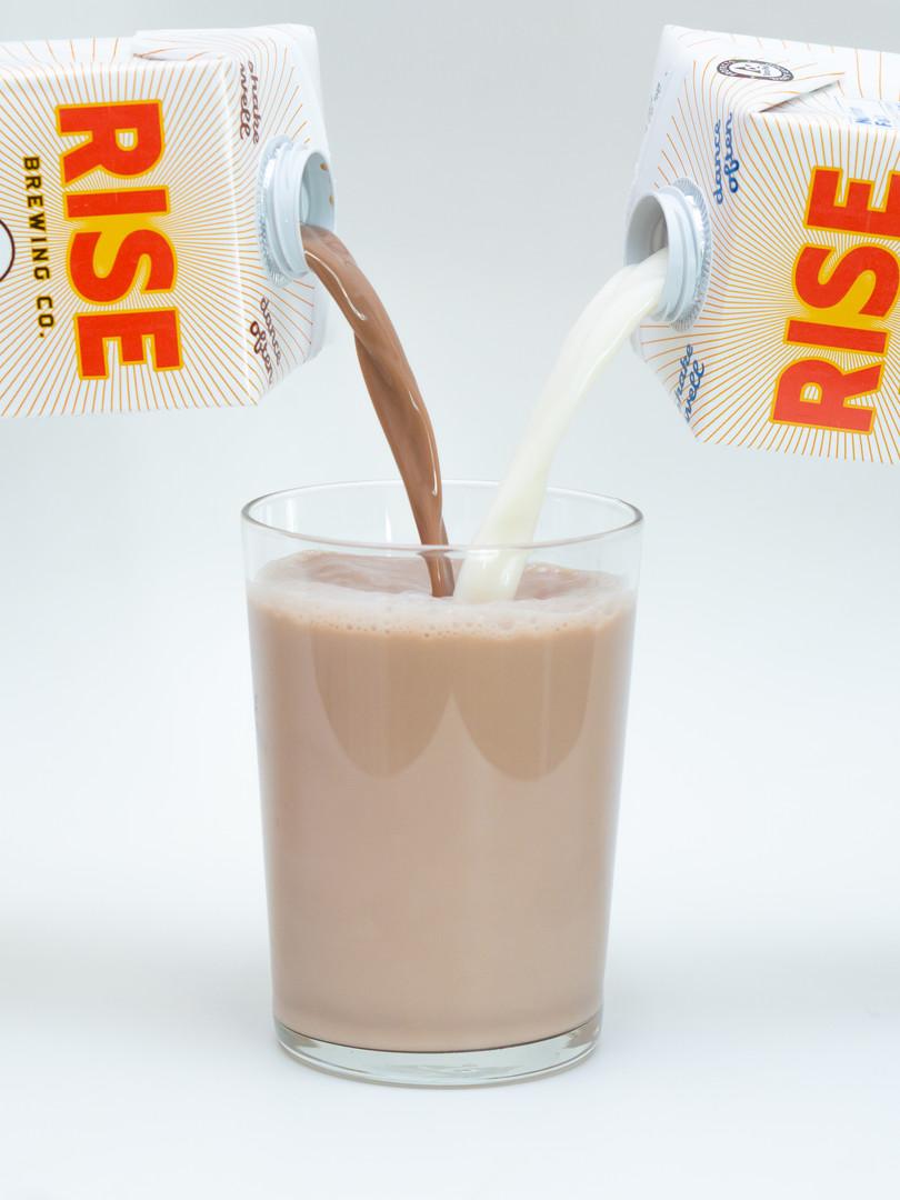 RISE Oat Milk Pour