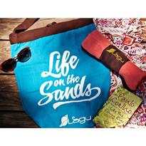砂のつかないビーチ用バッグスカイブルーとブランケット-min.jpg
