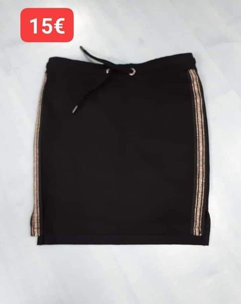 Jupe droite Garcia noire,bande dorée