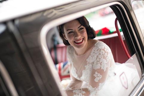 Bride inside the wedding car before the wedding ceremony. Wedding photgraphy by Sydney wedding photographer Grant Hoskinson Photography.