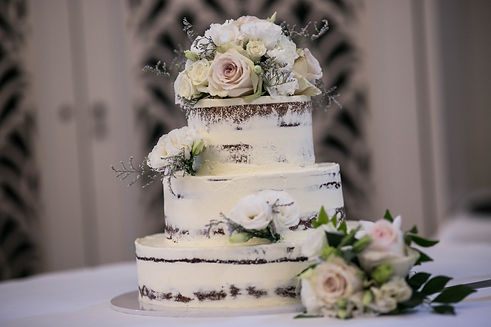 Wedding cake. Wedding reception. QVB Tea Room. Wedding photgraphy by Sydney wedding photographer Grant Hoskinson Photography.