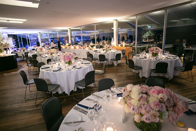 Wedding reception venue at Catalina, Rose Bay. Wedding photography by best sydney wedding photographer, Grant Hoskinson Photography.
