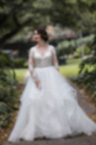 Portrait of the bride in Hyde Park, Sydney. Wedding photgraphy by Sydney wedding photographer Grant Hoskinson Photography.