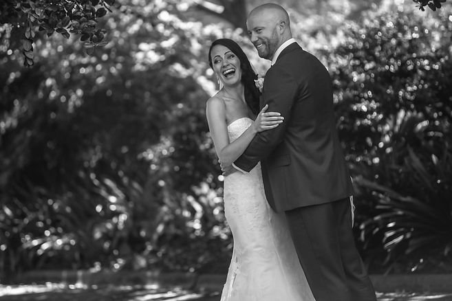 Bride and groom in botanic gardens, Melbourne.Beautiful wedding photography by popular wedding photographer, Grant Hoskinson Photography.