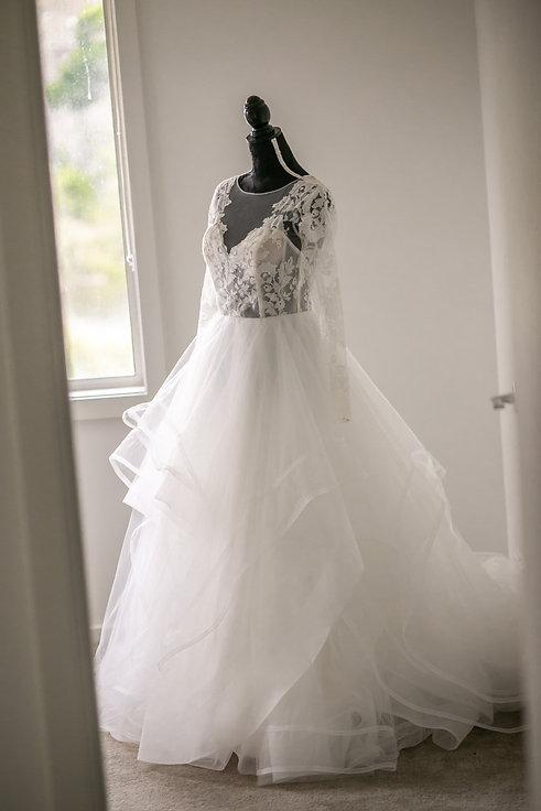 Wedding Dress. Wedding photography by best sydney wedding photographer, Grant Hoskinson Photography.