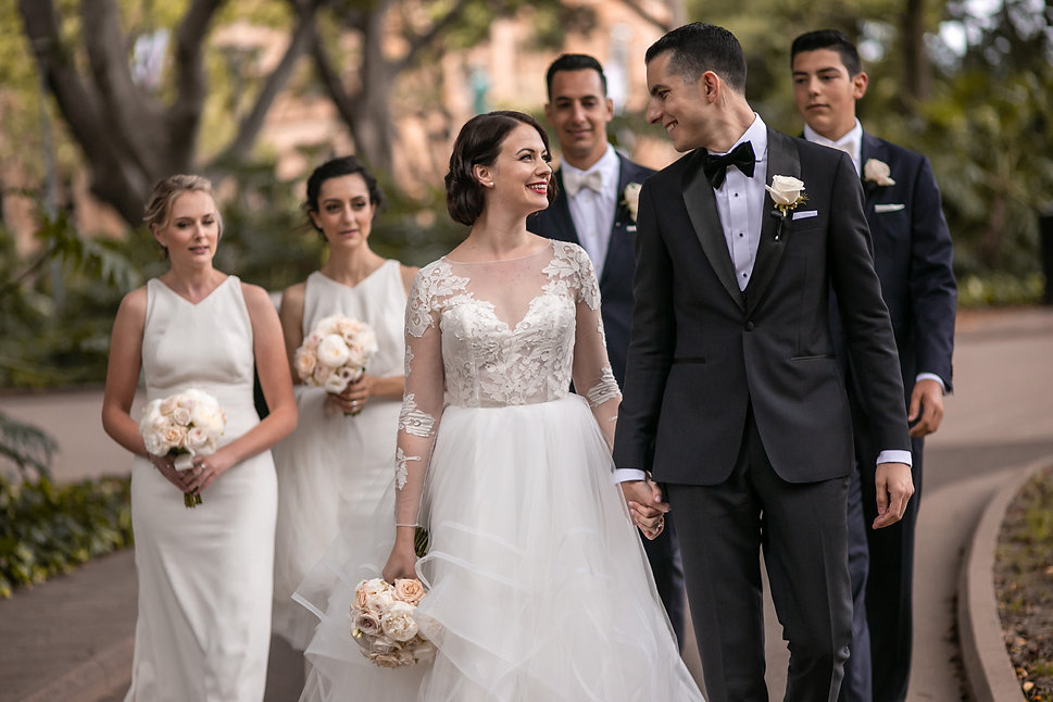 Bride and groom in Hyde Park, Sydney. Wedding photography by best sydney wedding photographer, Grant Hoskinson Photographer.