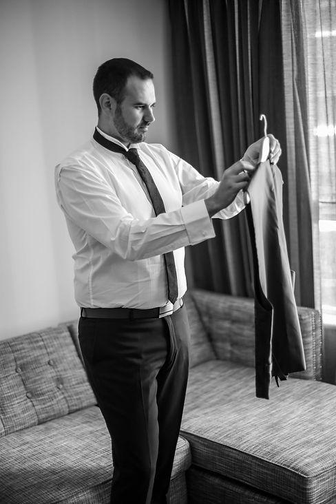 Beautiful wedding photography by best Sydney wedding photographer, Grant Hoskinson Photography. Groom getting ready