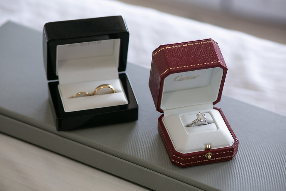 Weddng rings. Photography by best Sydney wedding photographer Grant Hoskinson Photography.
