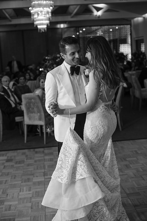 Bridal waltz. Wedding reception at Sergeants Mess. Photography by best Sydney wedding photographer Grant Hoskinson Photography.