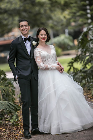 Portrait of bride and groom in Hyde Park, Sydney. Wedding photgraphy by Sydney wedding photographer Grant Hoskinson Photography.