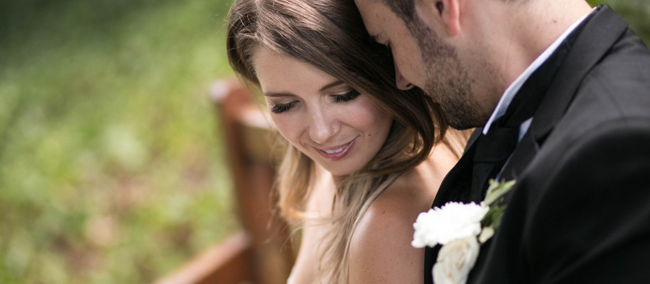 What's the difference between an intimate wedding and an elopement?