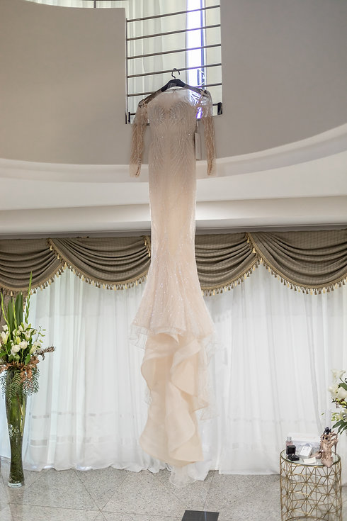 Wedding photography by best Sydney wedding photographer, Grant Hoskinson Photography. Bride's gown by Steven Khalil.