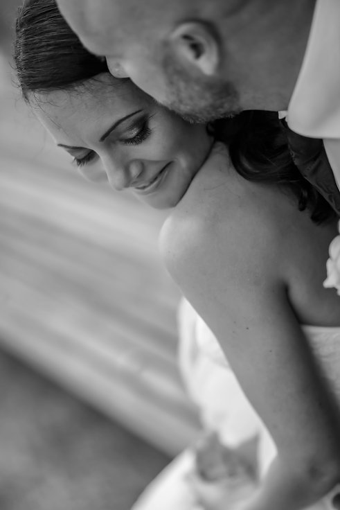 Beautiful wedding photography by popular Sydney wedding photographer, Grant Hoskinson Photography.